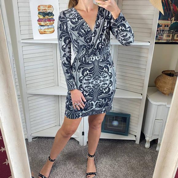 Jessica Simpson black and gray long sleeve dress